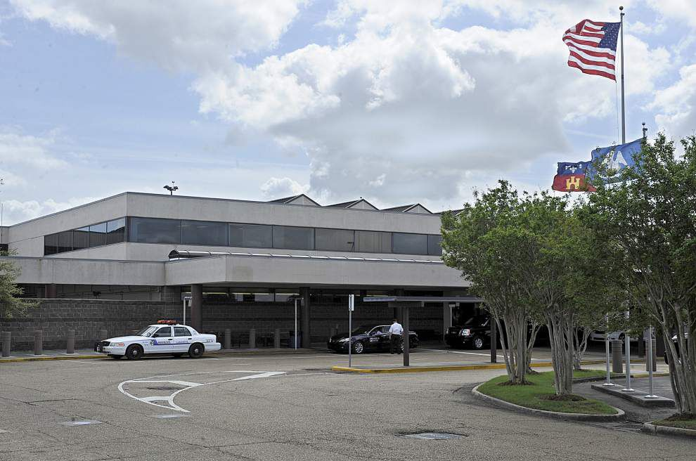 Lafayette airport commissioners to meet with firms interested in designing new, $90-million passenger terminal _lowres