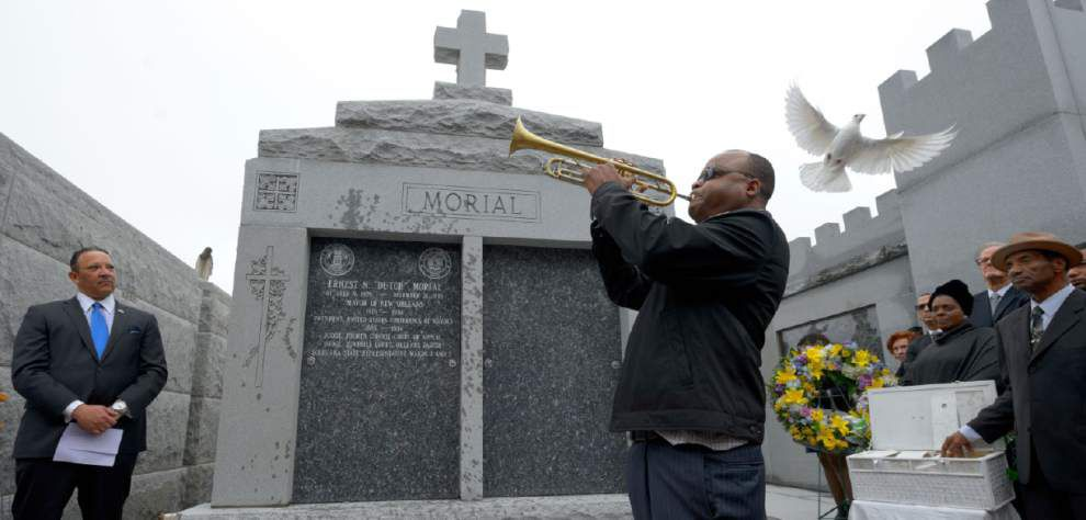 Dutch Morial's family dedicates his new resting place _lowres