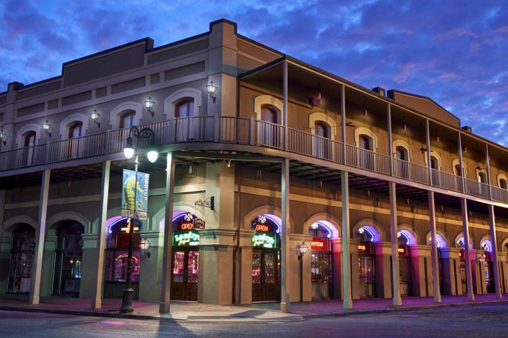 Rattling The Chains In French Quarter More Moves For Some Chain Restaurants Lowres