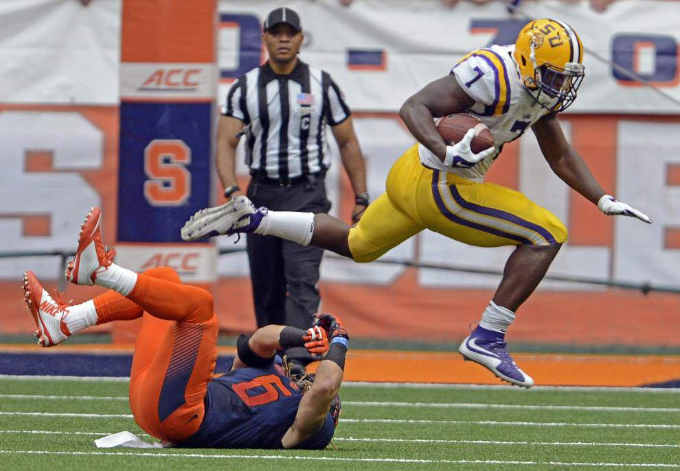Lunch with Les: Miles OK with Leonard Fournette seeking out contact, says LSU addressing penalties, special teams problems _lowres