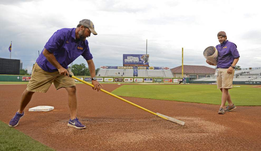 'Roll with the punches': LSU's game pushed to Sunday in waterlogged Baton Rouge regional _lowres