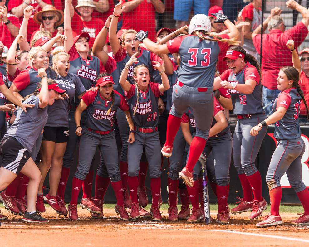 Last season a catalyst for Louisiana-Lafayette softball team _lowres