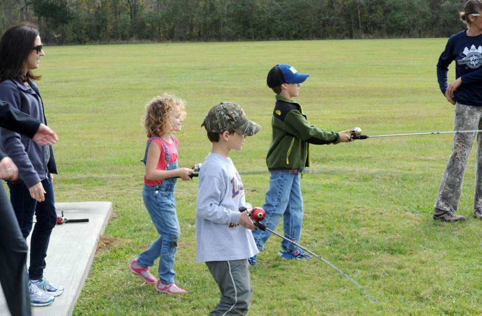 Stocked ponds lure local families _lowres