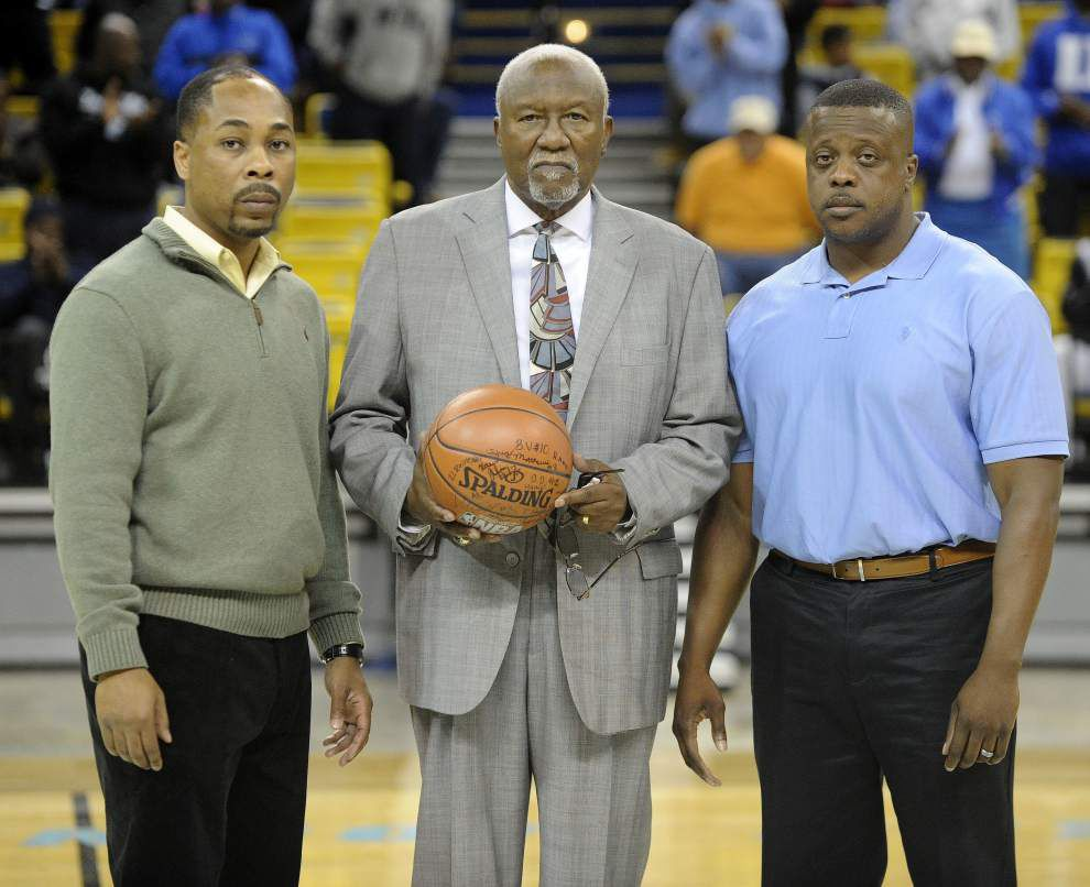 Longtime Southern Lab coach Joel Hawkins, Louisiana's winningest boys basketball coach, dies at age 77 _lowres
