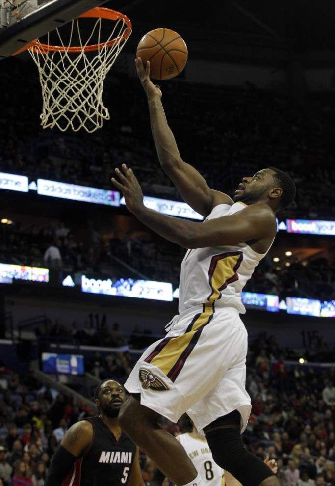 Alexis Ajinca's huge night lifts Pelicans past Heat 104-102 _lowres