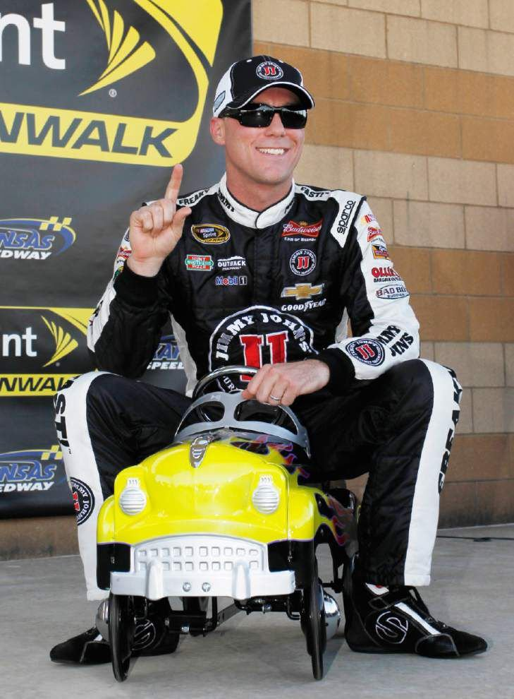 Kevin Harvick sets course record, wins Kansas pole _lowres