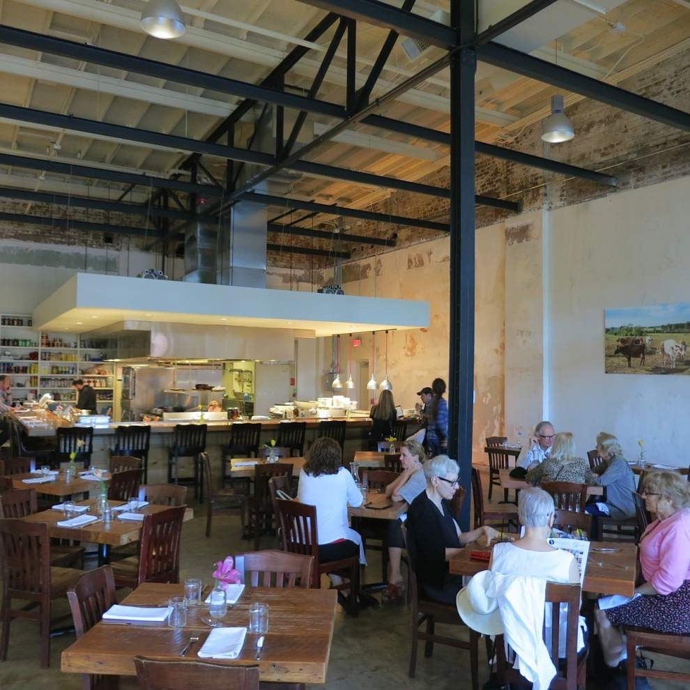 Beyond Reveillon: At Purloo, a tribute to Bruning's that starts at the bar _lowres