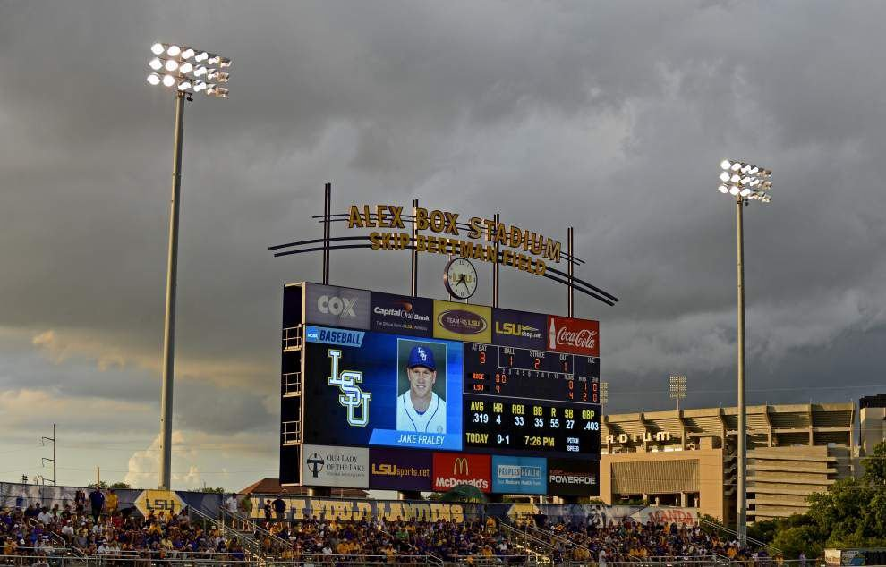 Alex Lange stays 'locked in' and weathers delay in eight-inning gem, pushing LSU past Rice _lowres