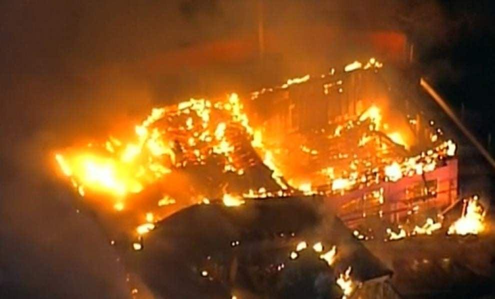 At least a dozen Ferguson businesses burn _lowres