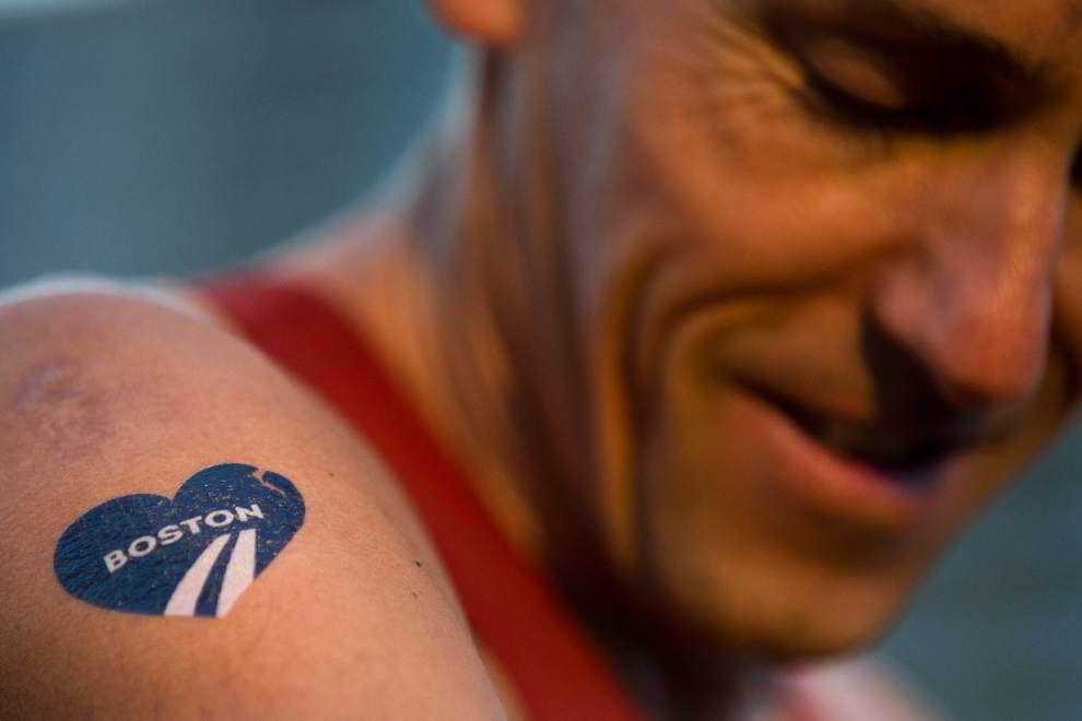 In show of defiance, 32,000 run Boston Marathon _lowres