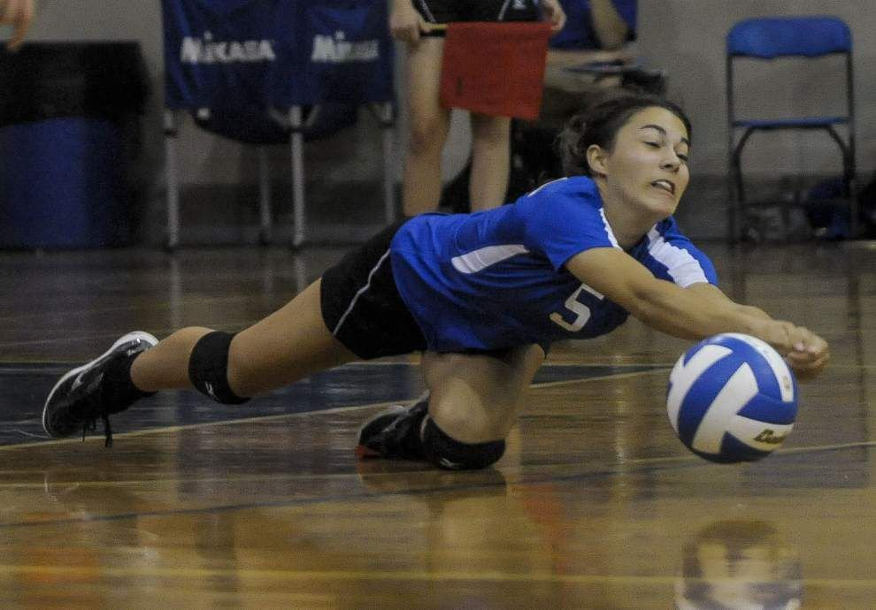 St. Scholastica dominant in 3-0 win over Fontainebleau _lowres