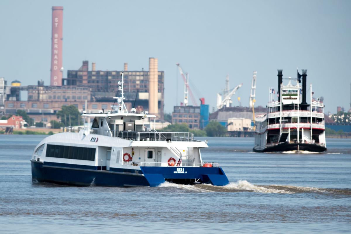 NO.ferryboat.071118.012012