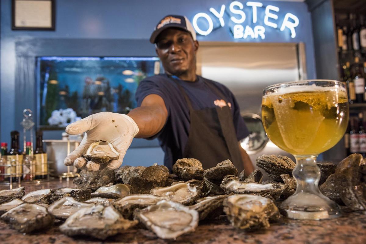 NO.oysterbars.epl.112917adv007.jpg