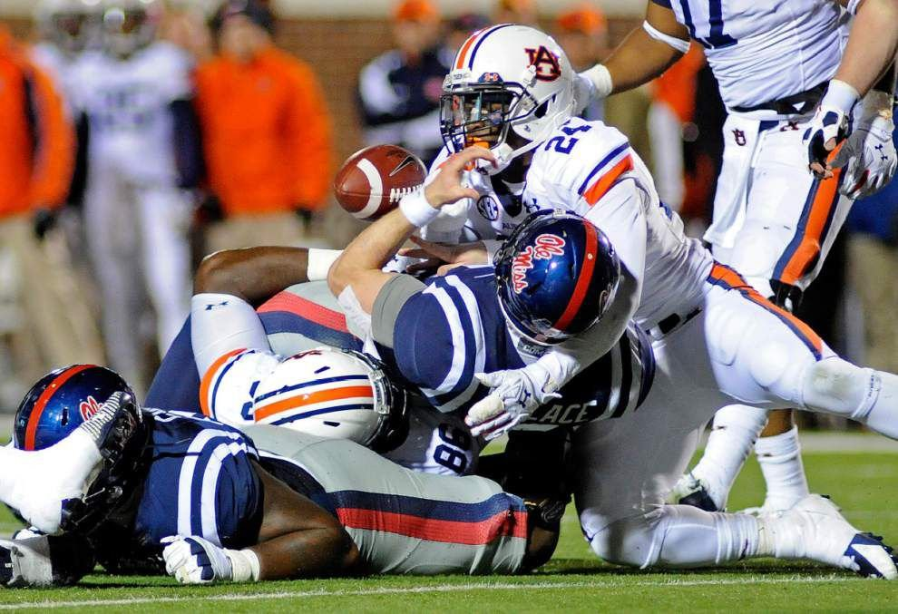 No. 4 Auburn holds off No. 7 Ole Miss _lowres