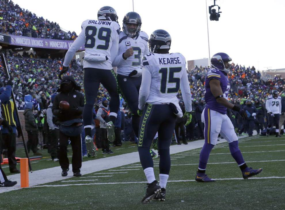 Agony of da foot: Seahawks escape after Vikings kicker Blair Walsh misses a potential game-winner _lowres