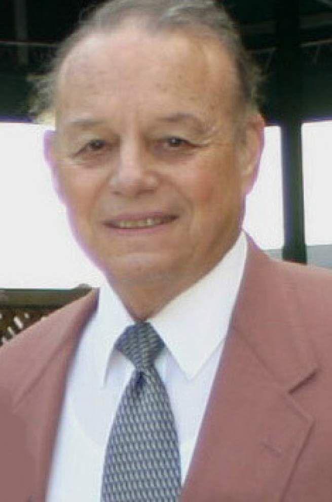 Larry Manguno, longtime principal of John Curtis High School, will retire in June _lowres
