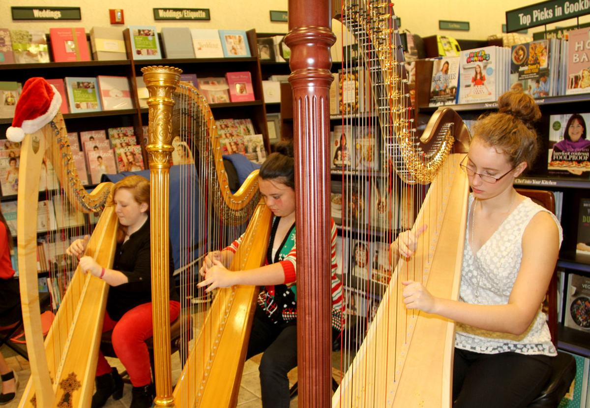 Runnels Harps Barnes and Noble Showcase.jpg