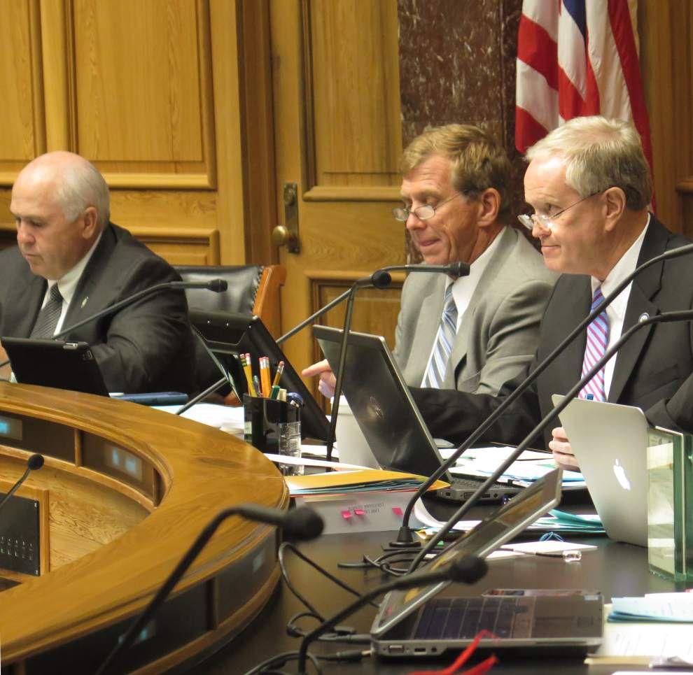 Legislation reining in costs of TOPS scholarship program clears Senate panel _lowres