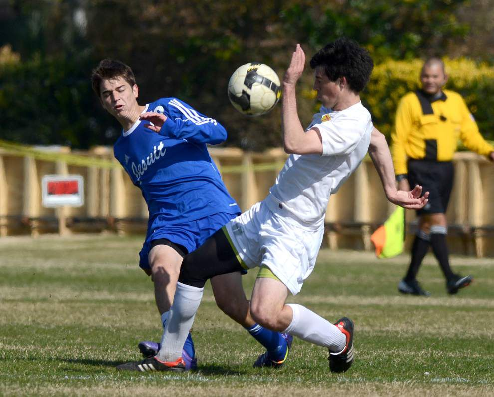 Brother Martin edges Jesuit on penalty kicks _lowres