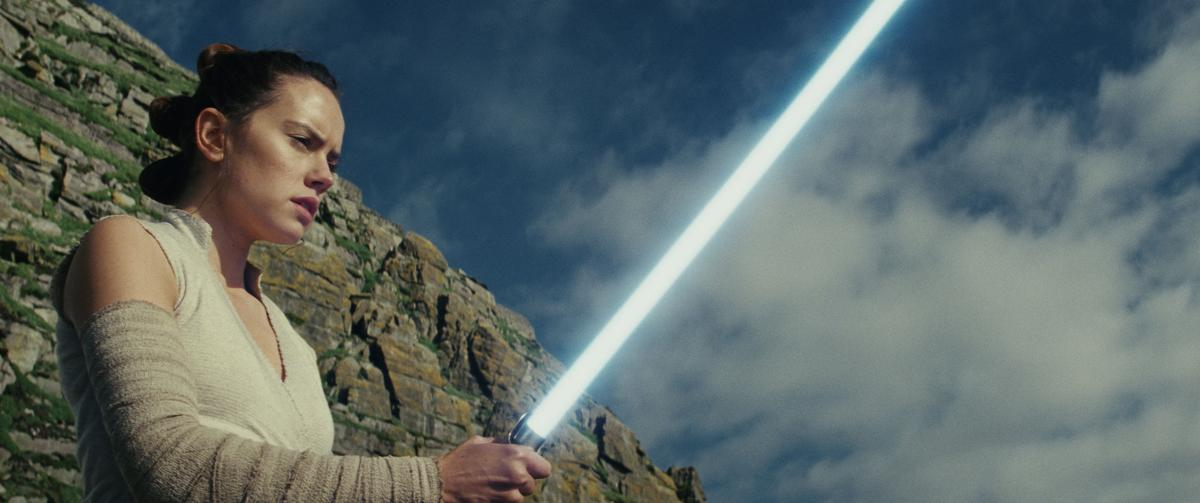 'Star Wars: The Last Jedi' still 5 for Red
