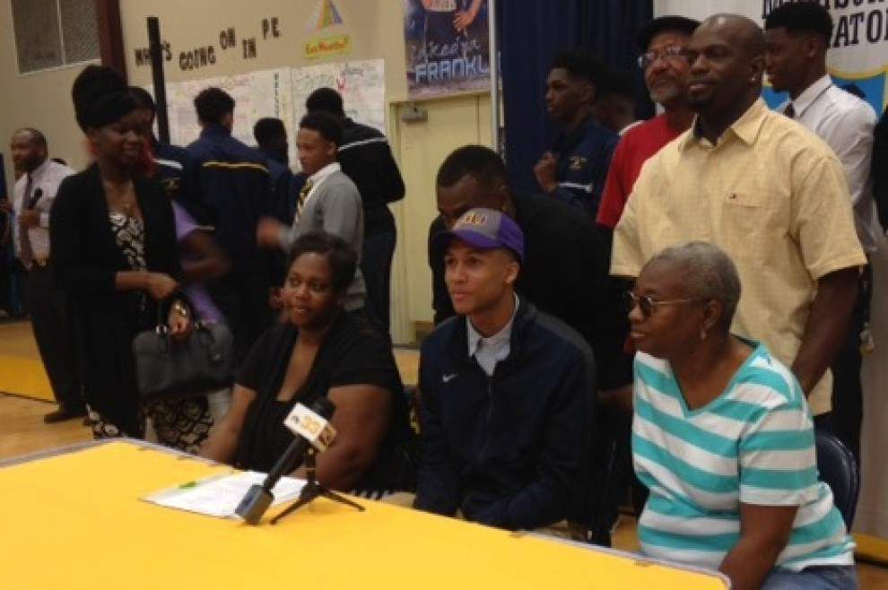 Madison Prep basketball standout Brandon Sampson signs with LSU _lowres