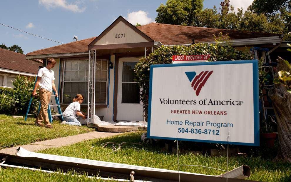 Volunteers repair homes in Jefferson Parish _lowres