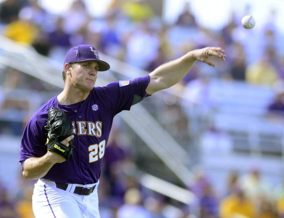 LSU baseball, football chat with Advocate sportswriter Ross Dellenger, Wednesday at 1 p.m. _lowres