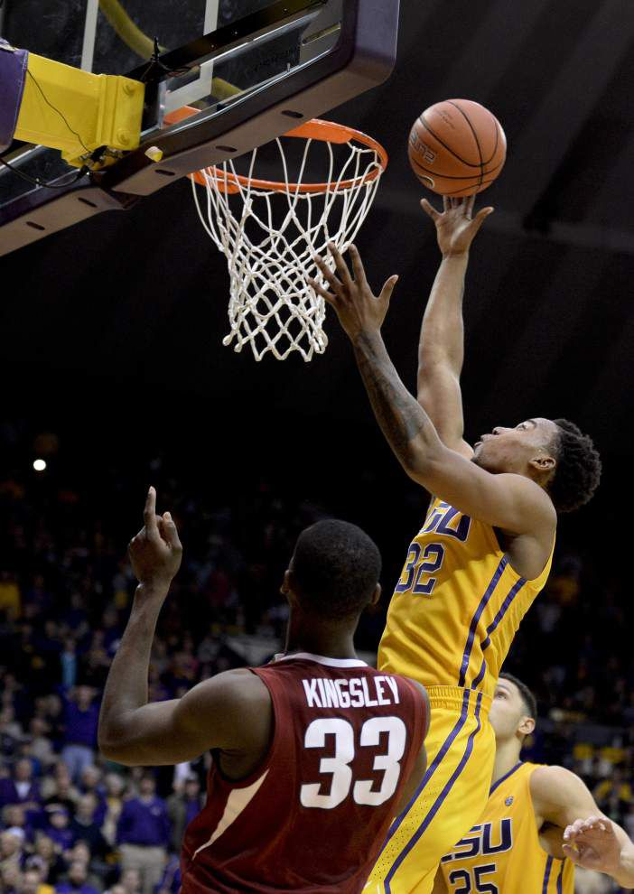 Craig Victor's putback gives LSU a 76-74 victory over Arkansas _lowres