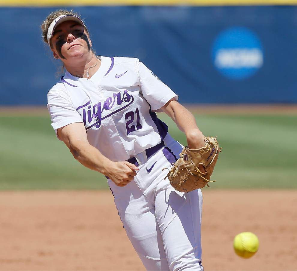Carley Hoover back on center stage for LSU at WCWS _lowres