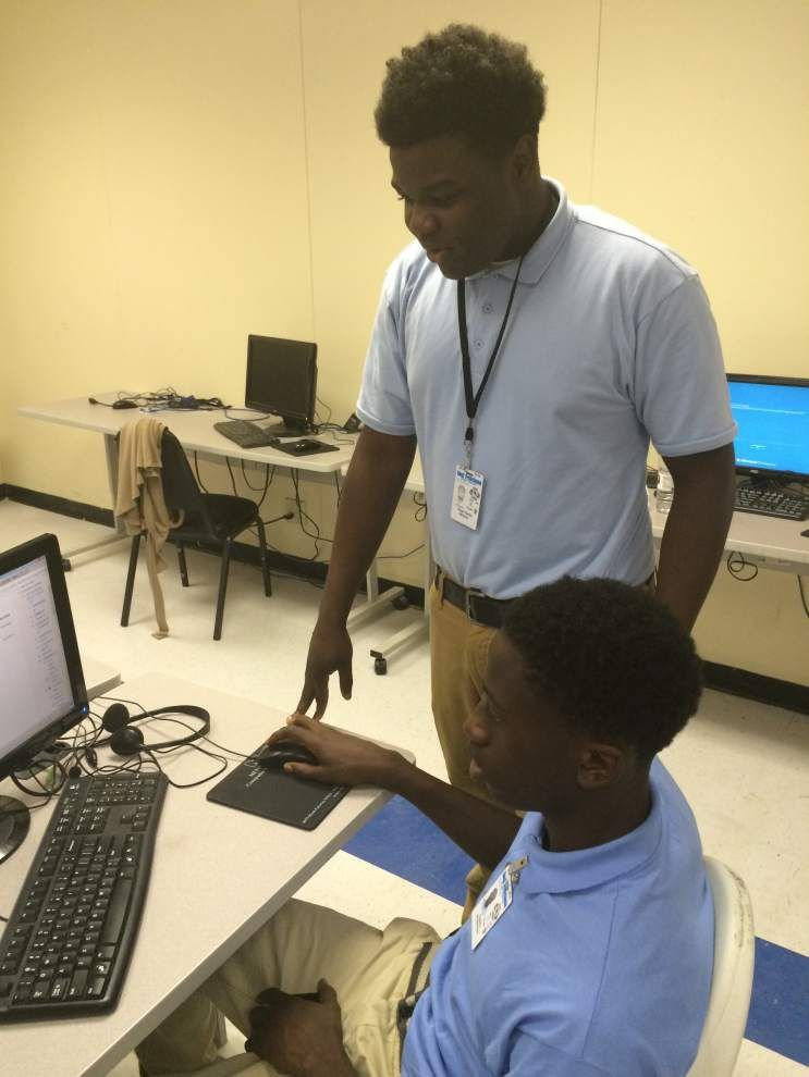 AP model puts students in course driver's seat _lowres