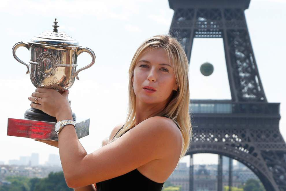 Sharapova signs with Avon for new fragrance _lowres