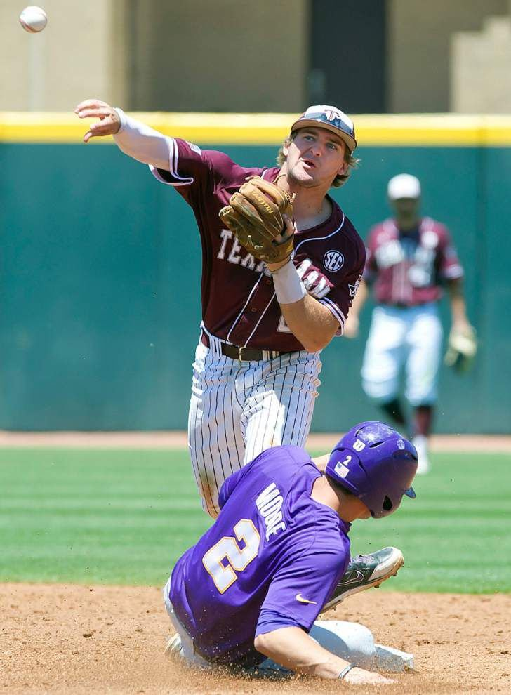 Texas A&M tops LSU 3-2 to even series _lowres