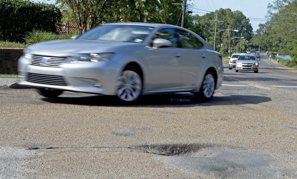 Report: Baton Rouge, New Orleans roads costing drivers well above national average in annual extra expenses _lowres