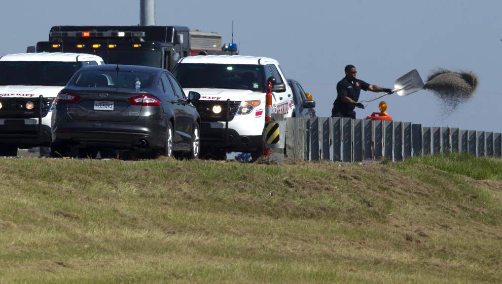 Officers from three local agencies fatally shoot man who fired upon them in chase across Lake Pontchartrain _lowres