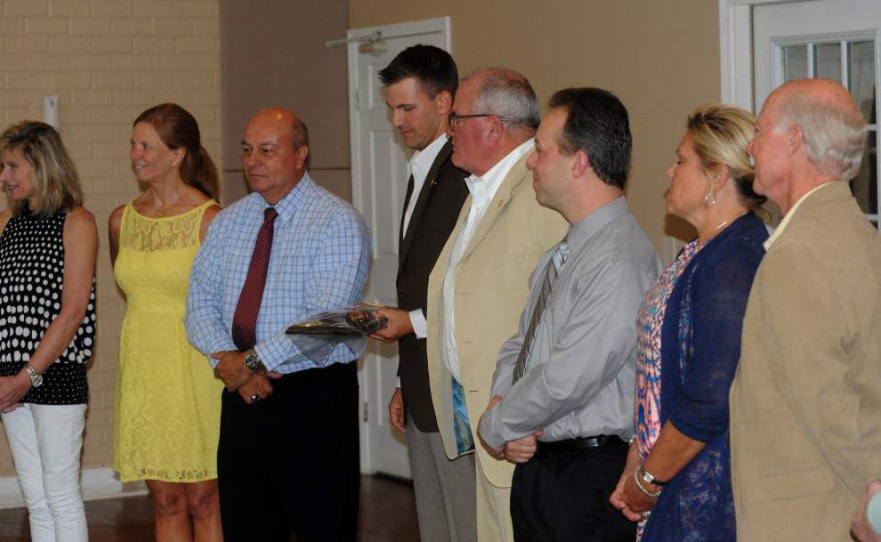 Zachary Rotary ushers in new leaders _lowres