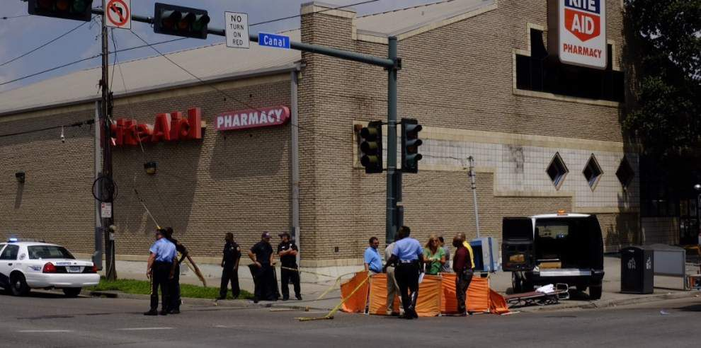 Bicyclist killed by dump truck at Canal and South Broad; five bicyclists have died in New Orleans this year _lowres