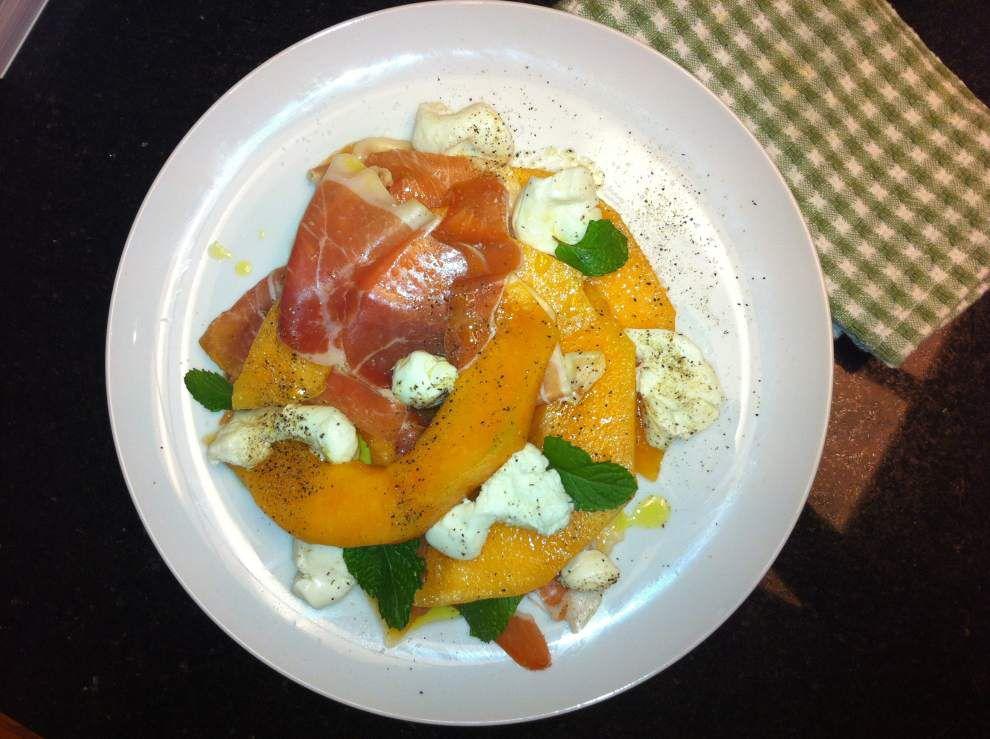 Mozzarella, Prosciutto and Melon Salad with Mint _lowres