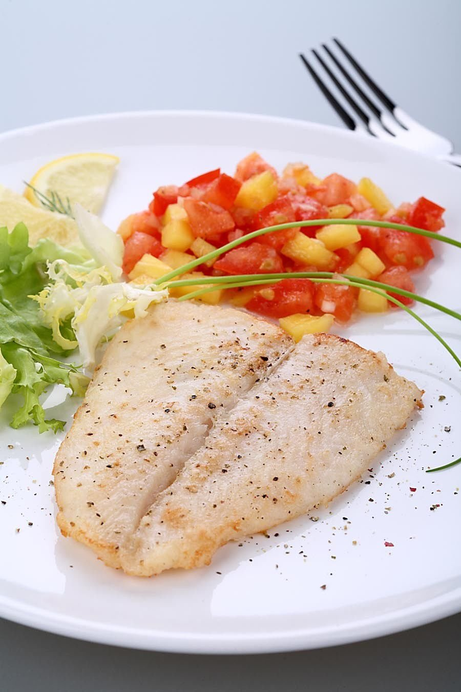 Poached Redfish with Citrus Salsa_lowres