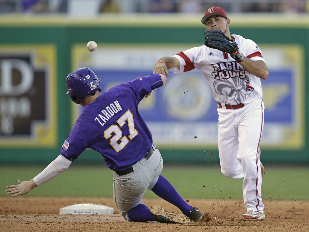 Ragin' Cajuns solid play falls short to LSU at Baton Rouge super regional _lowres