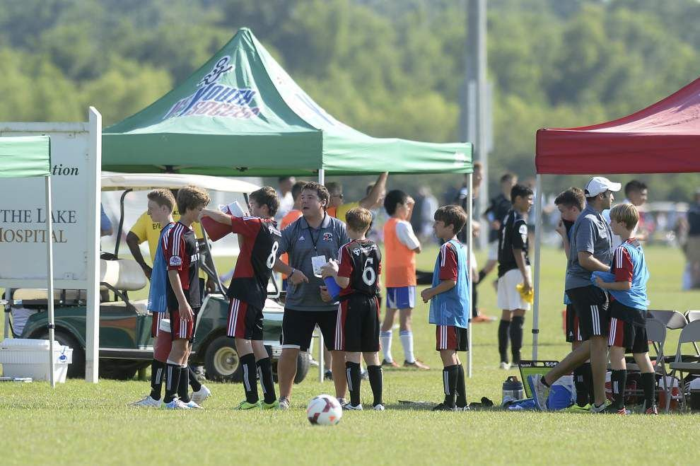Youth coaches use World Cup as teaching tool _lowres