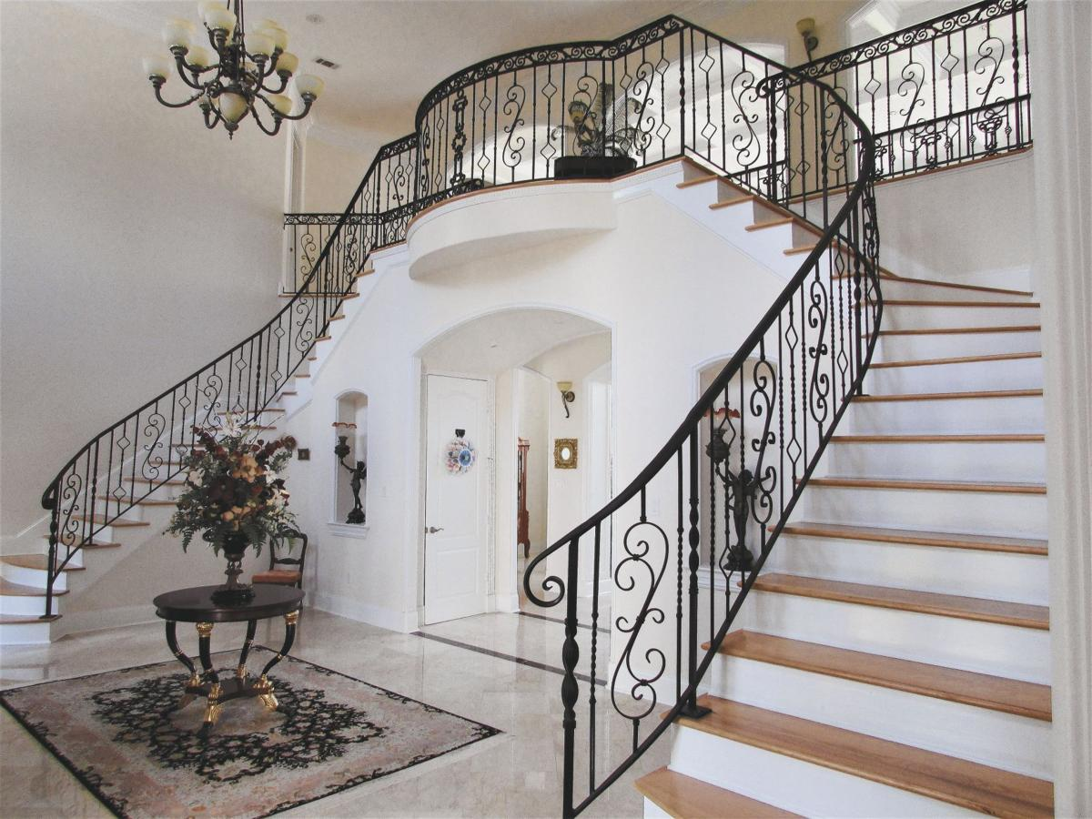 7312 Leyland Court - Grand foyer staircases