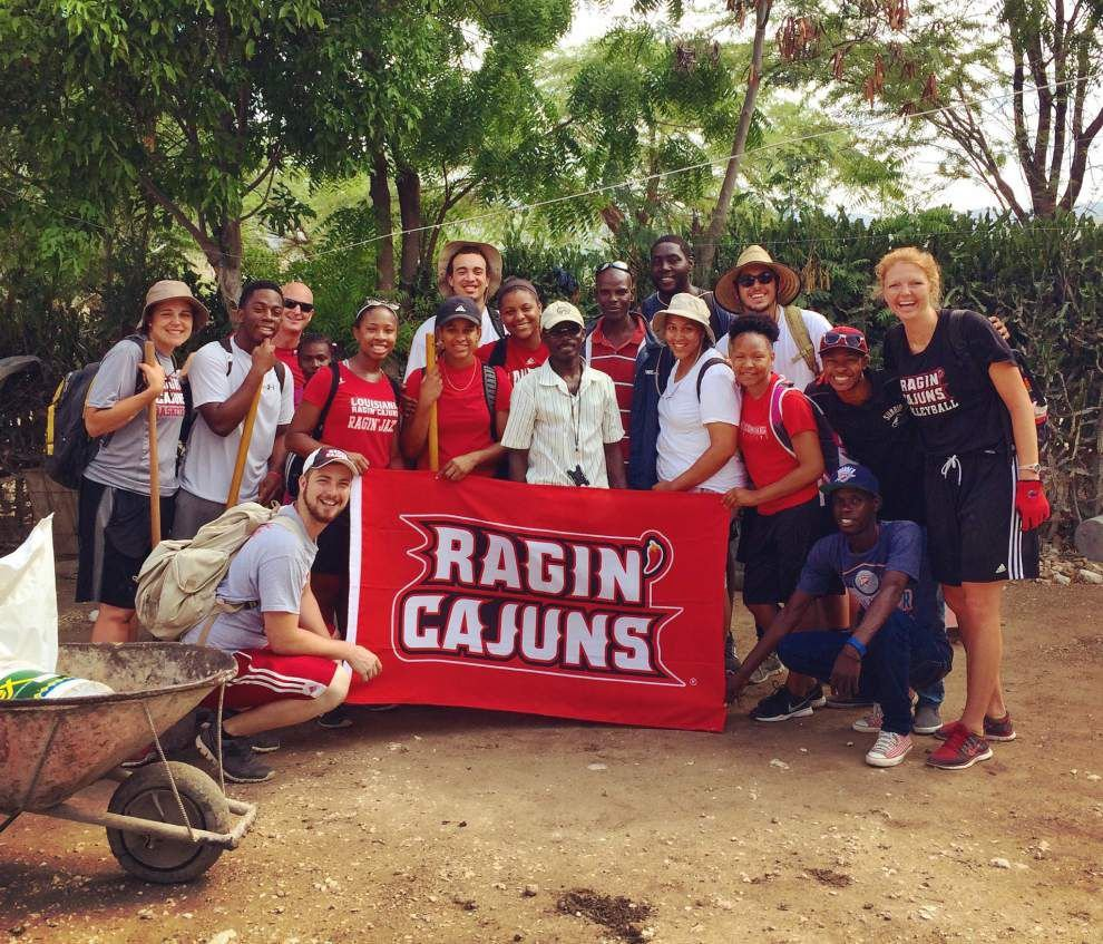 Missionary trip to Haiti was an 'eye-opening' experience for Ragin' Cajuns athletes _lowres