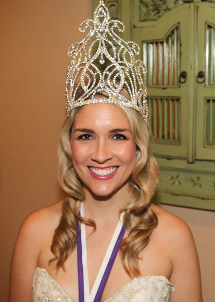 Freret crowns royals at black-tie benefit ball _lowres