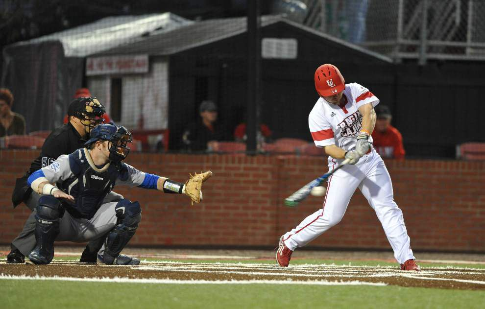 Ragin' Cajuns rally for 7-4 win over UNO _lowres