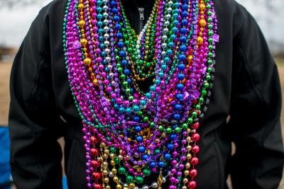 mardi gras beads stodk