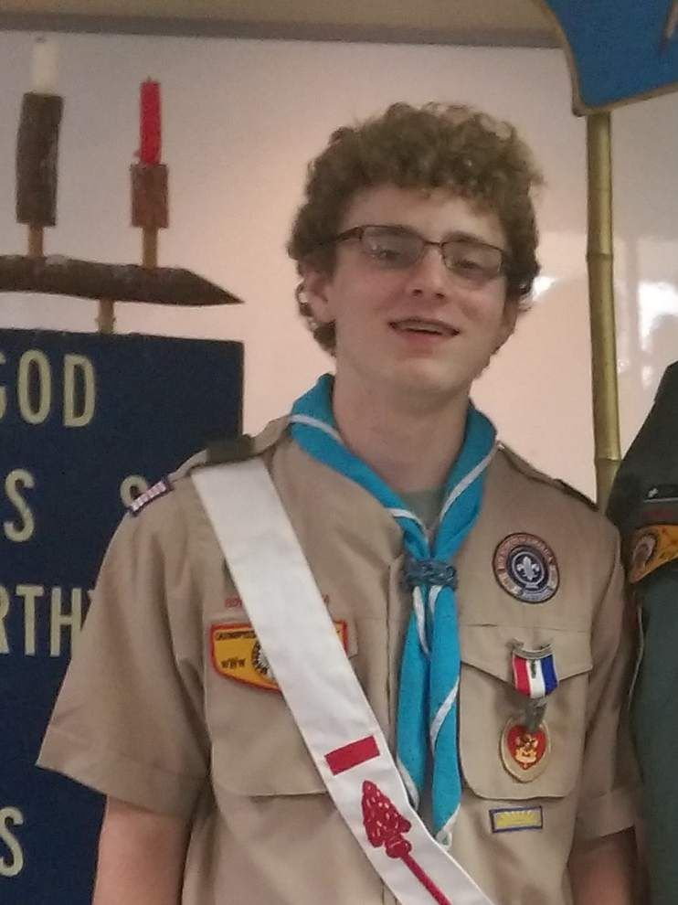 Troop 478 Boy Scouts move up the ranks _lowres