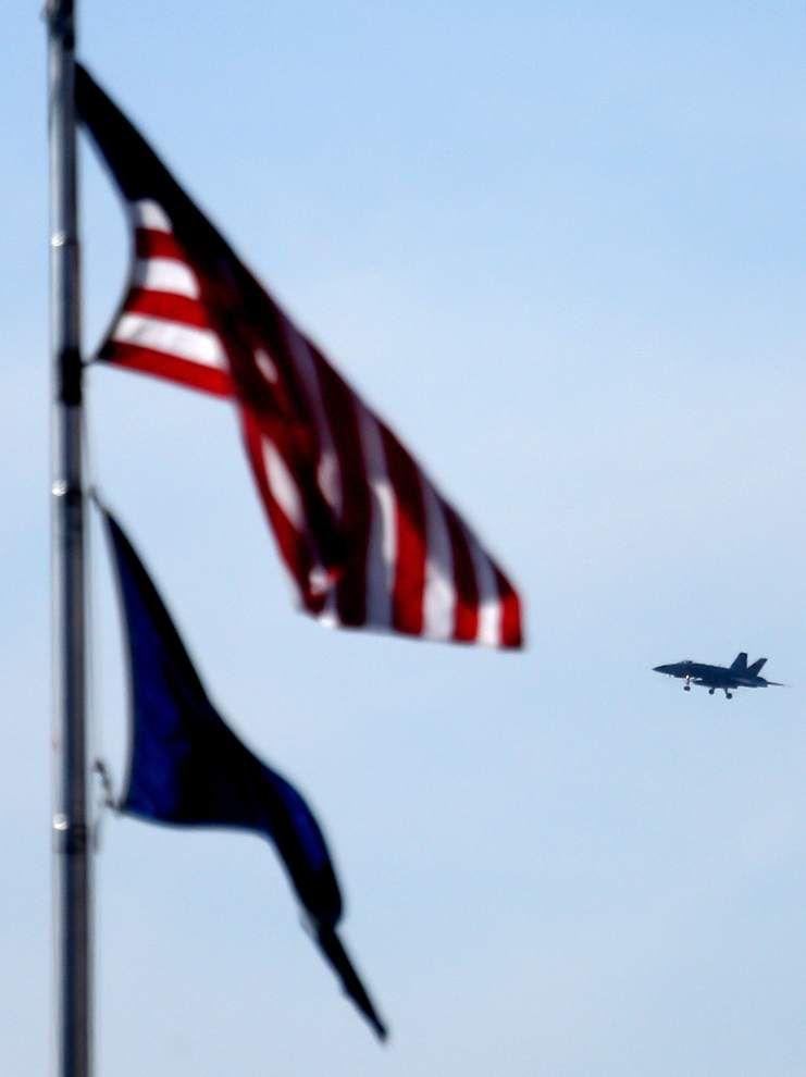 Photos: Navy Commander Kurtz retires _lowres