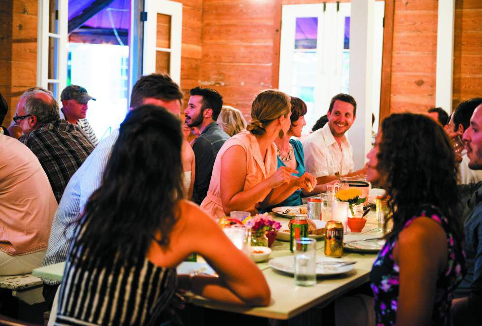 Supper clubs merge social function, dinner out, business start-up _lowres