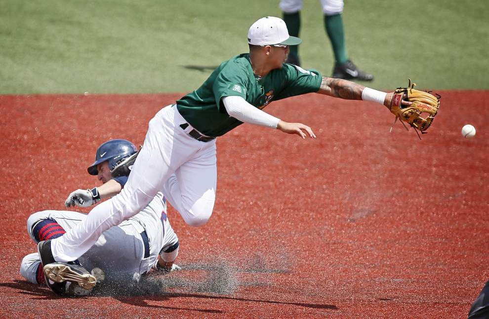 UConn's late power takes down Tulane 5-3 in baseball _lowres