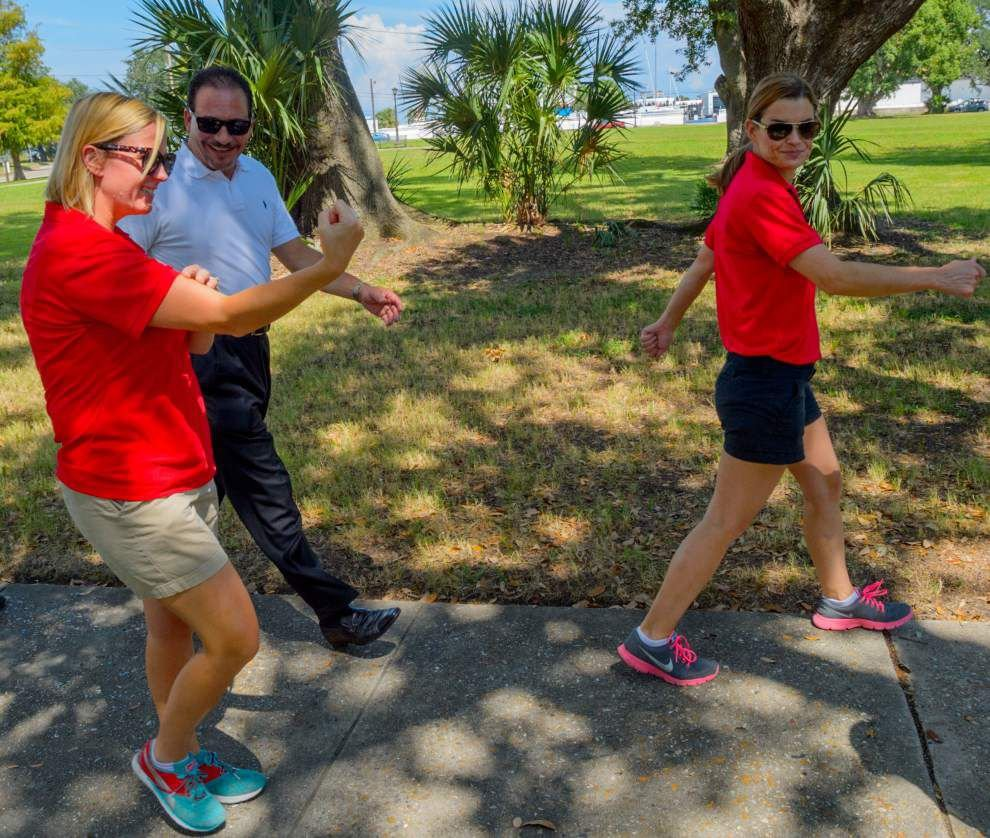 West End Park walking trail encourages healthful activity _lowres